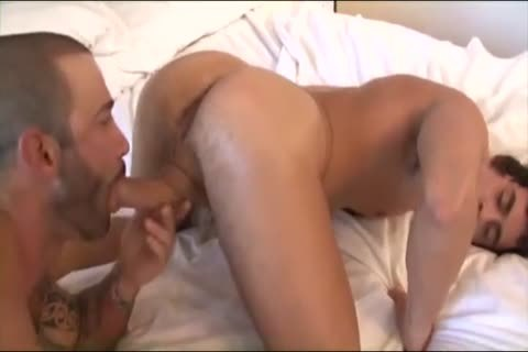 lad gets Sandwiched betwixt Hazing males