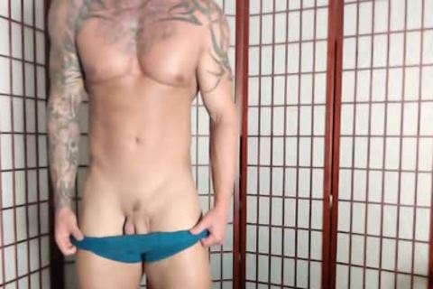 Jason Stromm On Flirt4Free - Tatted Muscle dude Wanks His attractive 10-Pounder