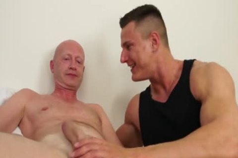 lucky old man Barebacks A Muscle guy