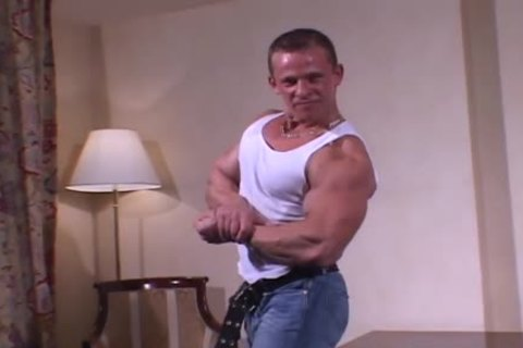 Muscle Hunks - Johnny Dirk (young Exhibitionist two)