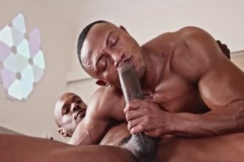 Two Blacks Have A Great pound With Creempy