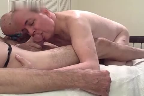 4 daddy boys bang And suck In A Motel Room