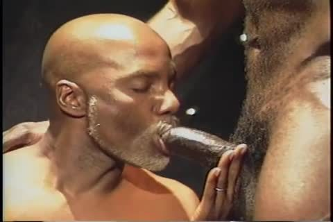 All Worlds - Bobby Blake - juicy CHOCOLATE Sc01