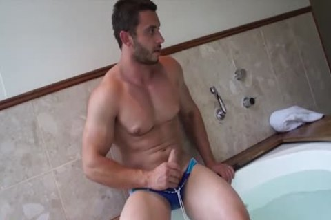 Muscle Jack In The dirty Tub With James Nowak