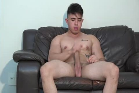 youthful Latinos muscular guy oral sex-service