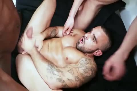 sperm 4 MUSCLE HUNKS IR gigantic penis bare three-some