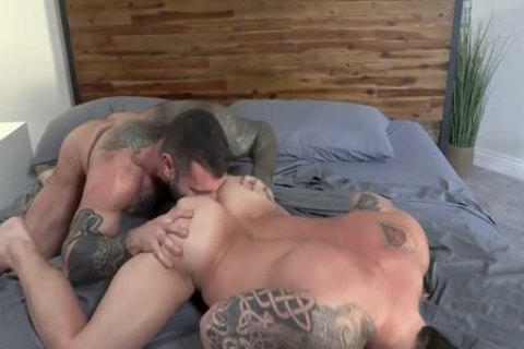 Muscle Daddy's bang bare